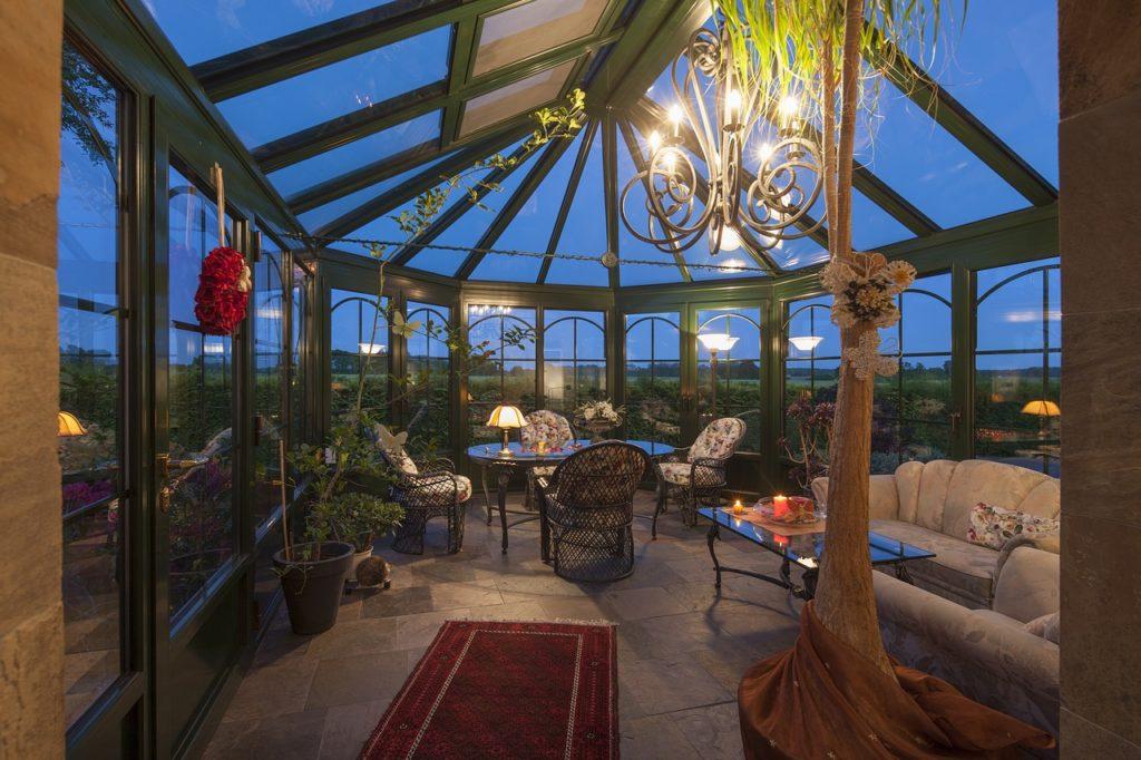 Vonkajšie svietidlá dodajú šarm vašej záhrade