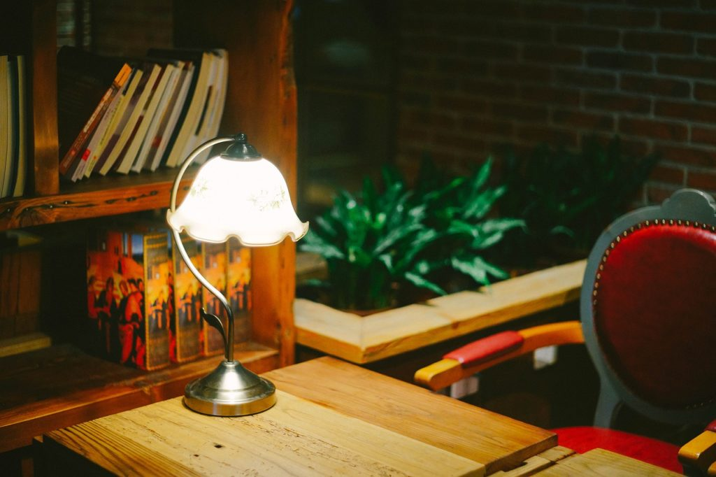 Stolné lampy a osvetlenie