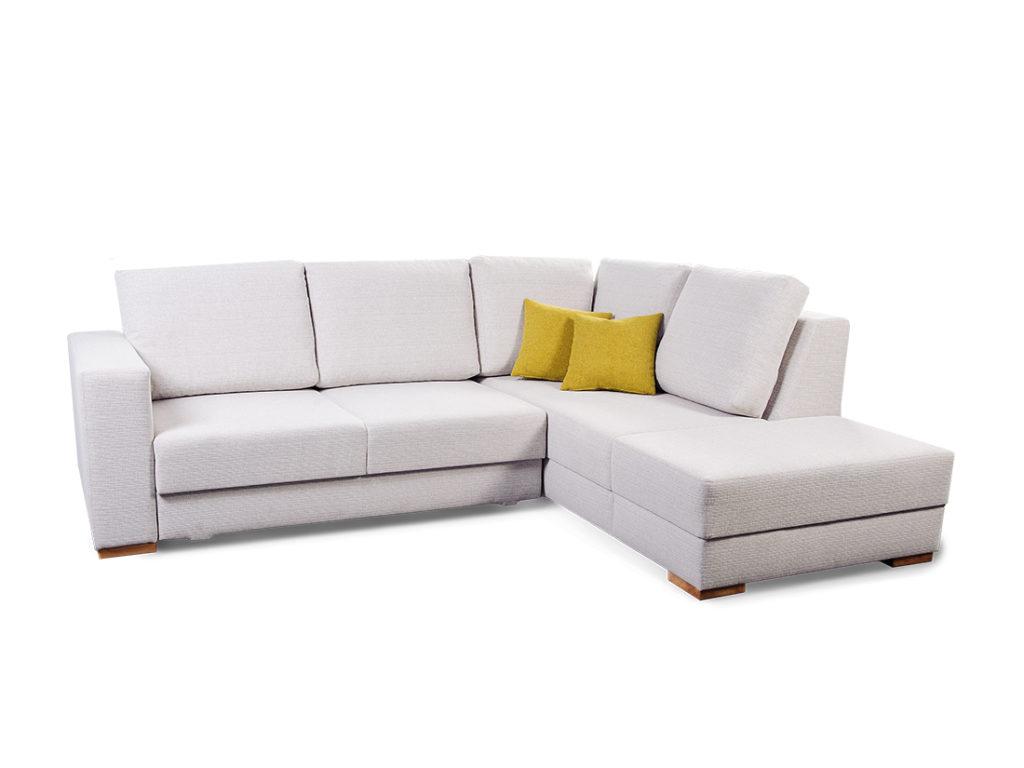 Jednoducho zariadená obývacia izba, ktorá má všetko, čo potrebuje